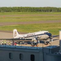 """帯広空港に77年前の名機""""ダグラスDC-3""""がやって来ました!"""