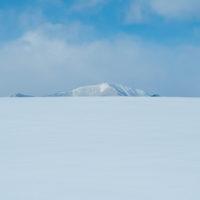マイナス21℃、澄み切った空気で・・日高山脈が迫ってきます。