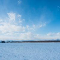マイナス15℃の朝、快晴、雪雲は日高山脈がブロック!